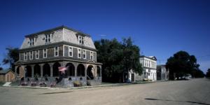 North Dakota hotel under blue sky